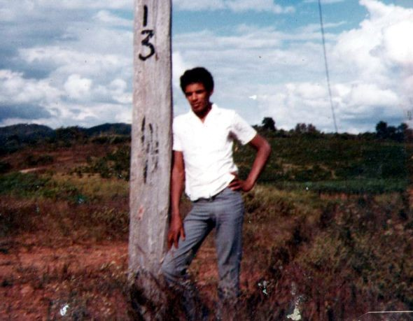 Ano 1983 - Bairro Santa Terezinha em frente à igreja