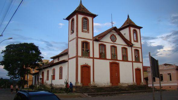 Perdões Minas Gerais fonte: jornalvoznet.com.br