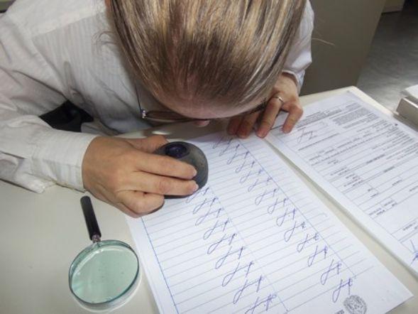 Exames periciais em assinatura