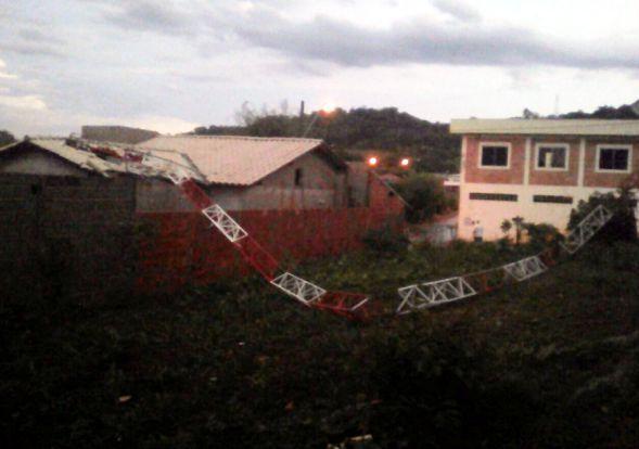 antena ficou completamente destruída - bairro Serra dos Monte